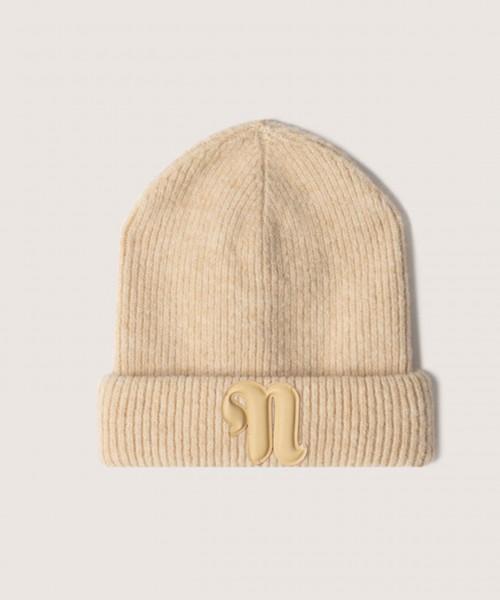 nanushka-higgins-creme-stylealbum-knitted-cap