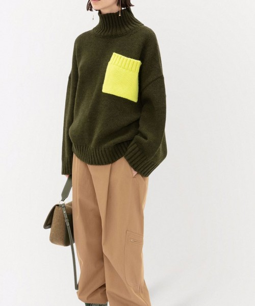 jw-anderson-patch-pocket-turtleneck-knitted-sweater-stylealbum-green